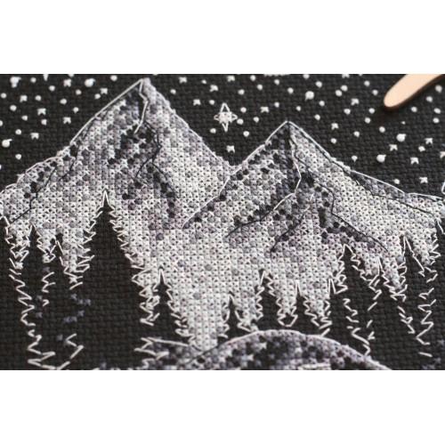 """Набір для вишивання хрестиком """"У горах"""""""