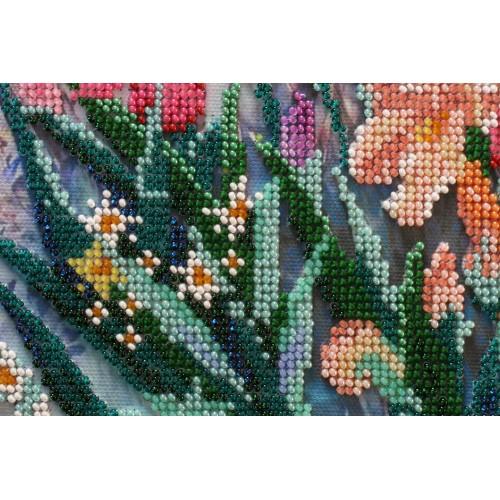 """Набір для вишивання бісером на натуральному художньому холсті """"Ранок в саду"""""""