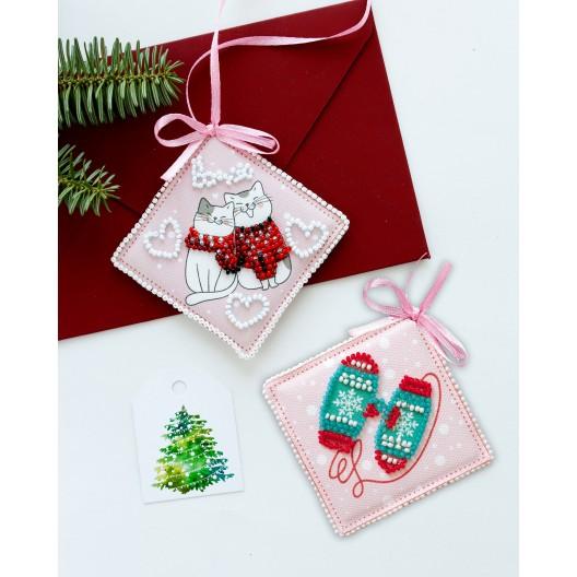 """Набір для вишивання бісером новорічної іграшки на натуральному художньому холсті """"Помуркочемо"""""""