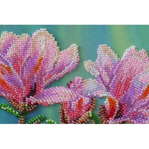 """Набір для вишивання бісером на натуральному художньому холсті """"Магнолії цвітуть"""""""